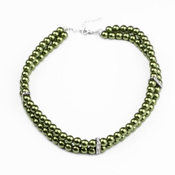 Green Choker Necklace & Earrings